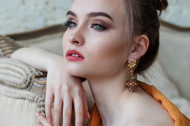 Schöne Frau dank Kosmetik 1030 Wien für schöne Haut, Pediküre, Maniküre und Haarentfernung